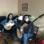 Gitar ve Kontrbas Gitar Çalışırken